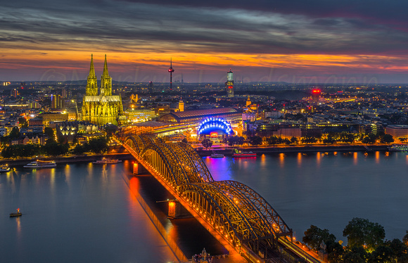 Sunset and Cathedral light over Cologne ©MarkusLandsmann